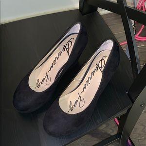 Black wedge heels